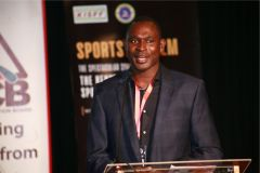 800m-world-record-holder-David-Rudisha-makes-a-speech-before-the-opening-session
