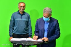 Aasif-Karim-witnesses-as-Iranian-Ambassador-to-Kenya-HE-Jaffer-Bamarki-as-he-signs-the-guest-book