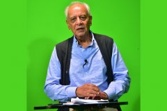 Jimmy-Rayani-during-studio-session-analysing-the-panel-discussion-on-the-contribution-of-Indian-Cricketers-to-Kenyan-Cricket-in-the-80s-and-90s